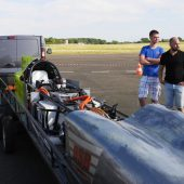 The vehicle weighs 800kg and the record to beat is 400km/h